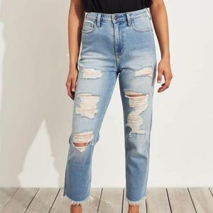 NWOT Hollister Ultra High Rise Mom Jeans